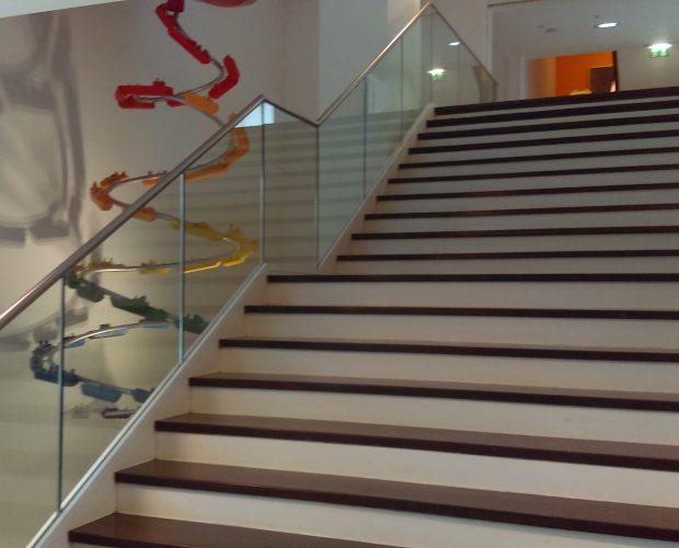 aluminox stair balustrade glass