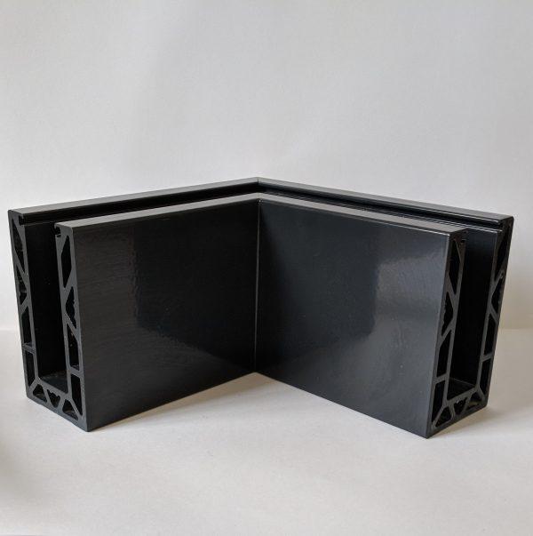 aluminox powdercoated solus frameless balustrade corner