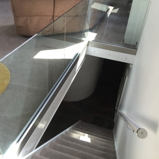 internal frameless glass balustrade landing