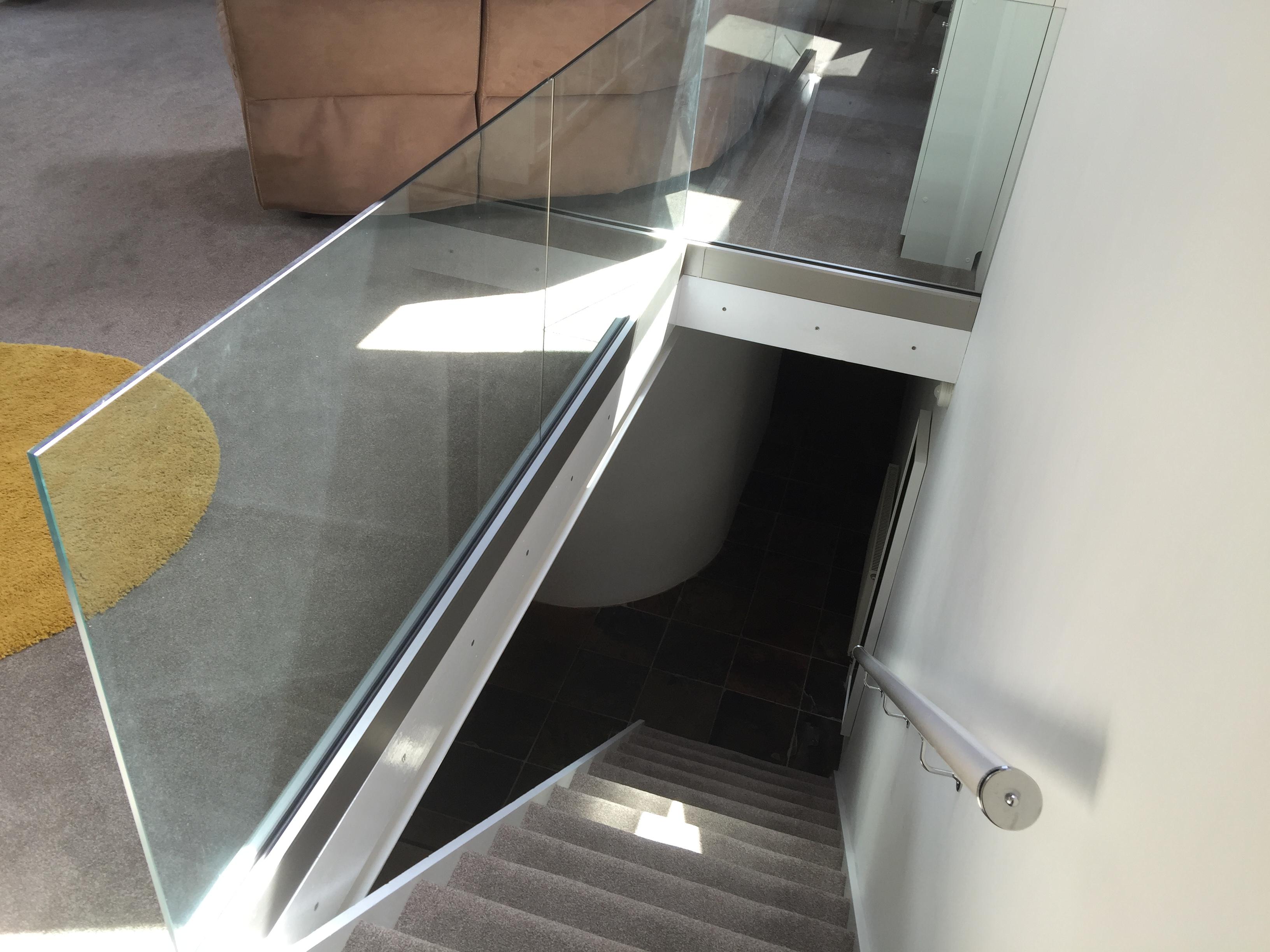 internal frameless glass balustrade landing