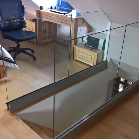 aluminox Balustrade frameless balcony