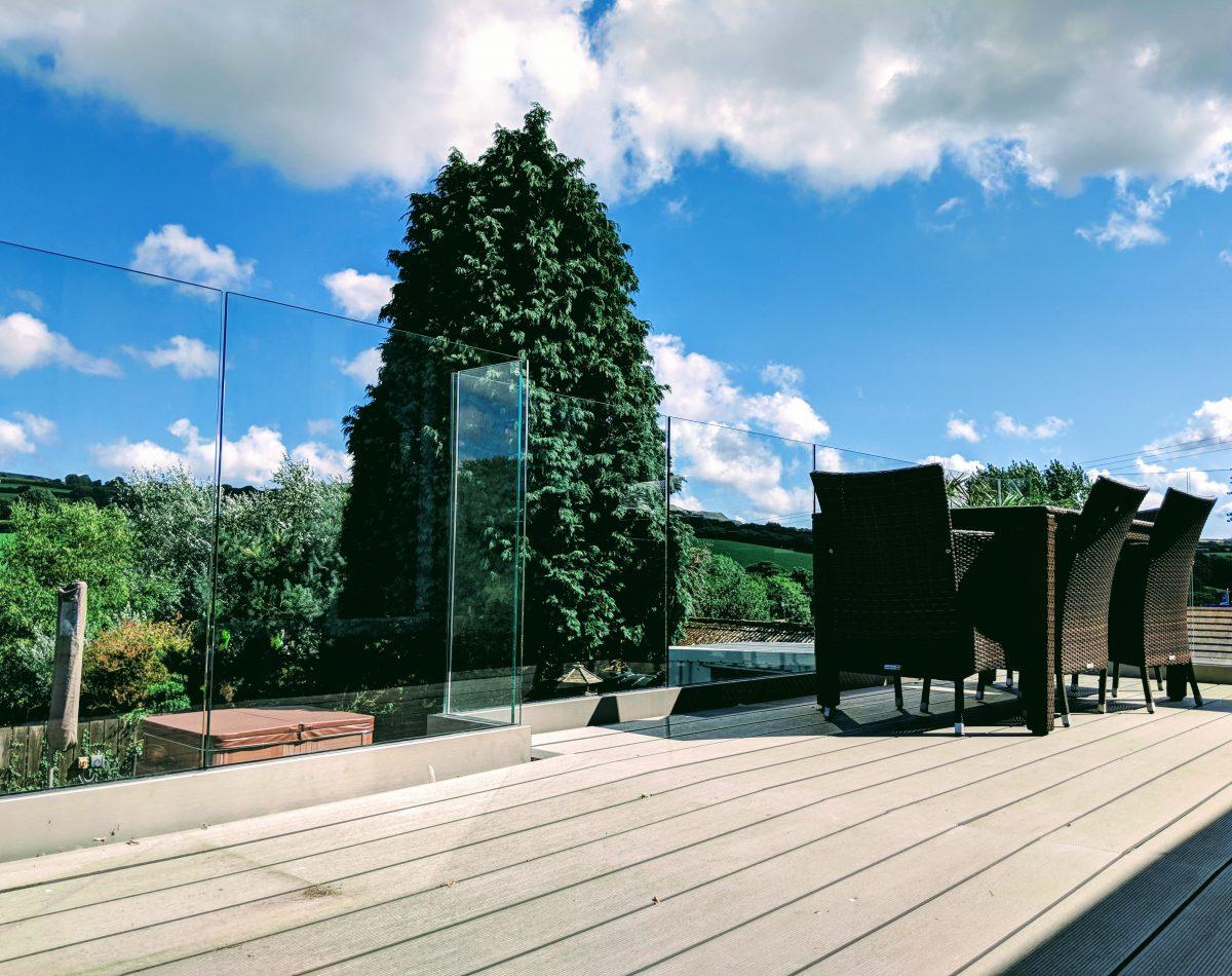 decking glass balustrade
